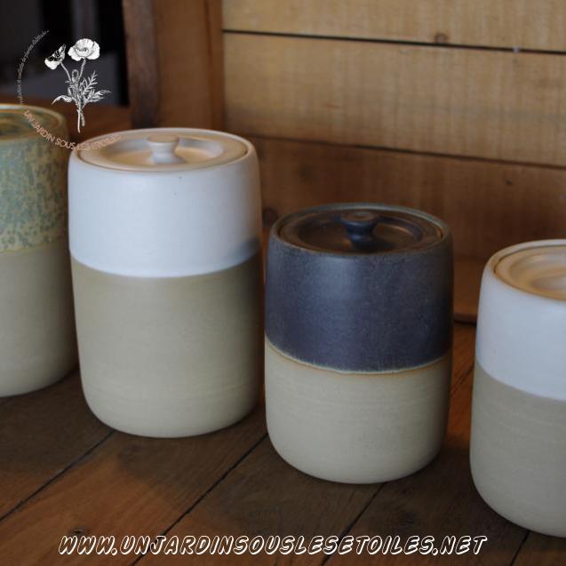 Boite pour plantes sèches taille L : Céramiques   Pot en grès