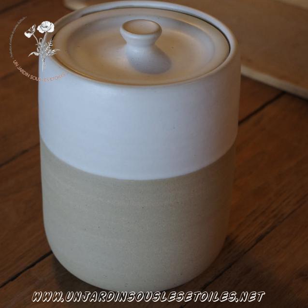 Boites pour plantes sèches : Céramiques   Pot en grès